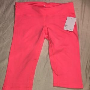 New pink coral GAP Fit Capri leggings size Large